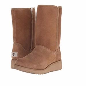NEW UGG Amie Boot